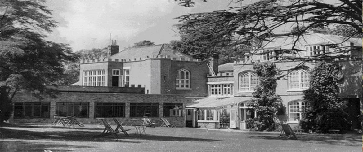 Very shortly after Pontin took over the hotel, extra dining capacity was added in the form of a large modern single story extension on the south side of the 'ball room' at ground floor level .