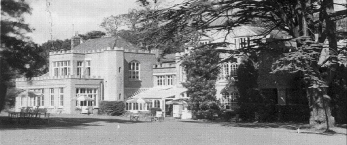 "In 1945, a group of cottages were built to provide separate accommodation for guests. A report was submitted by Clough William-Ellis, architect, describing the project as ""a projected hotel colony at Farringford, Isle of Wight."""
